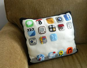 iPad Pillow: Mini Pip
