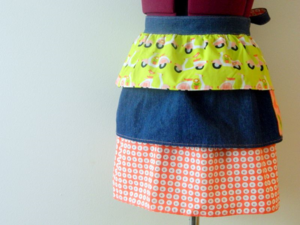ruffle apron - mini pip
